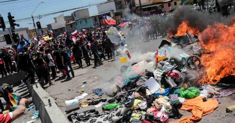 Fiscalía formalizará a cuatro personas por quema de carpas de migrantes en Iquique