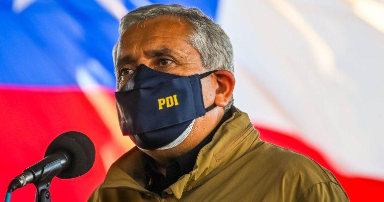 Ex director de la PDI se presentó en cuartel para cumplir prisión preventiva