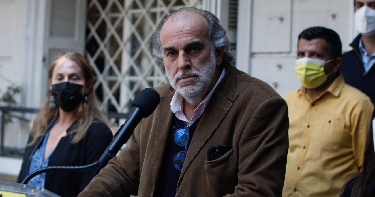 El coordinador de la campaña de Sichel, Juan José Santa Cruz, culpó al partido de Provoste. AGENCIA UNO.