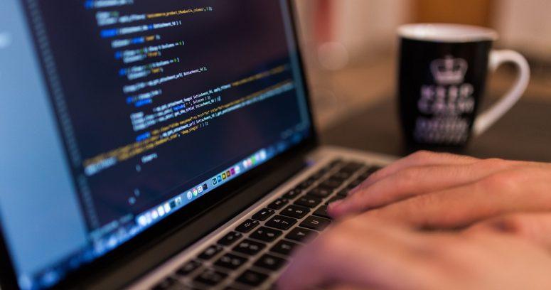 Ranking ubica a startup chilena liderando ranking mundial de softwares de automatización robótica